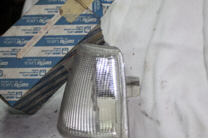 Lancia Thema origineel nieuw n/s/f knipperlicht linksvoor MK1 82417720