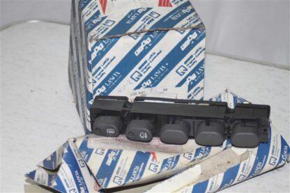 Fiat Ducato, Punto knoppen unit middenconsole 5894791
