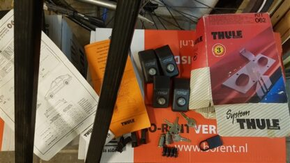 Lancia Thema Berlina Thule Dakdragers complete set met sloten