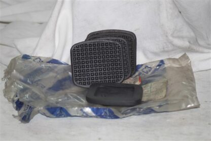 ALFA ROMEO 164 166 LANCIA KAPPA THEMA Cluth + Brake Pedal Pads Koppeling en rempedaalrubber 82425876 60511695